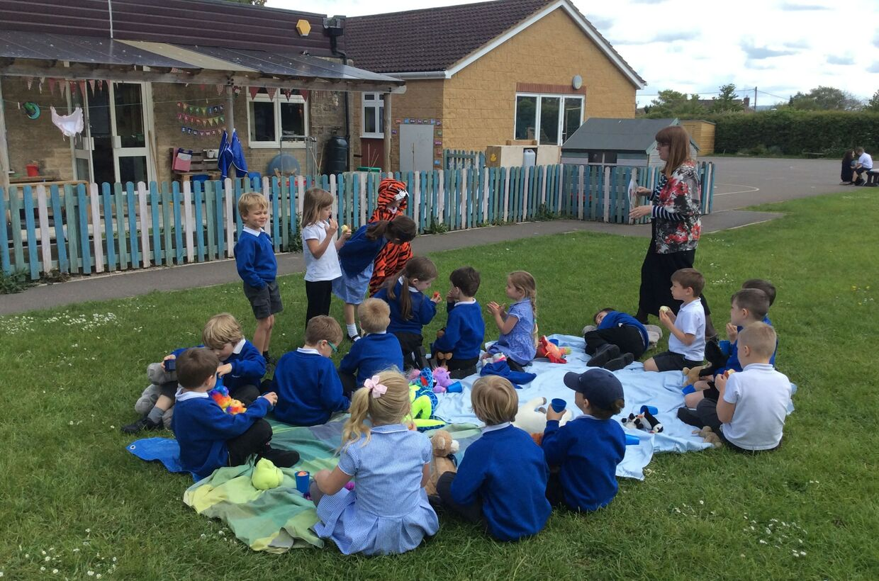 Ducklings Class - A Tiger Came to Tea!